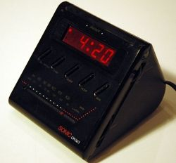 Sonic wedge vintage clock radio