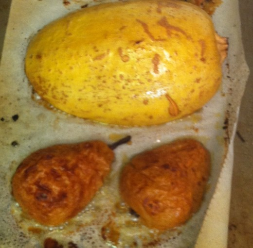 bake (those are pears beside the squash...very sweet and delicious:)