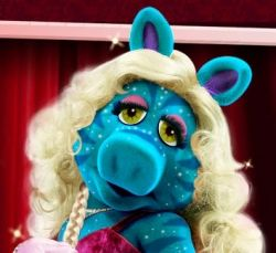 Miss Piggy as a Navi Avatar woman.