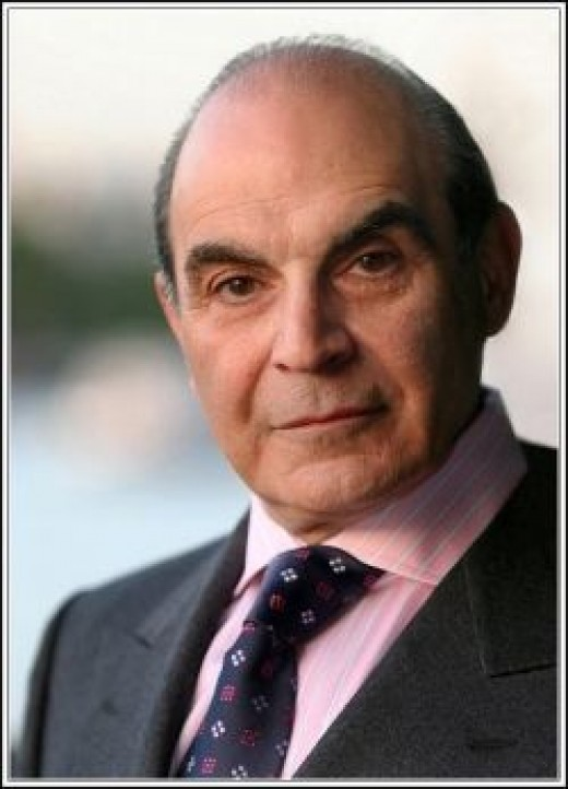 Actot David Suchet By Phil Chambers from Hamburg, Germany (IMG_6979.JPG) [CC-BY-SA-2.0 (http://creativecommons.org/licenses/by-sa/2.0)], via Wikimedia Commons