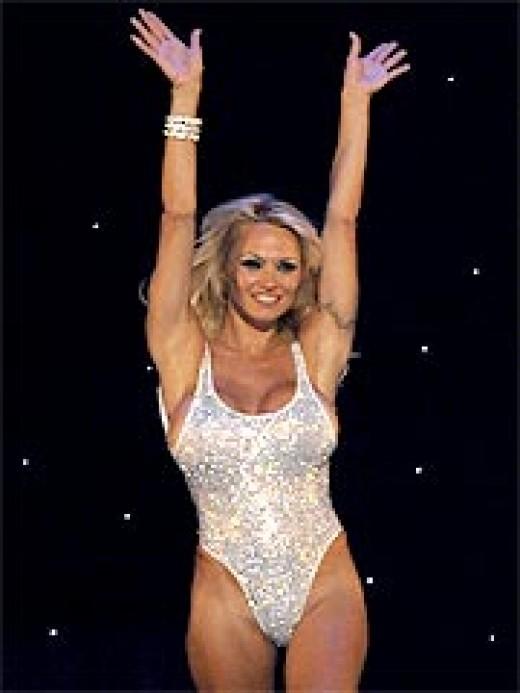 pam anderson wallpaper. Pamela Anderson As A Las Vegas