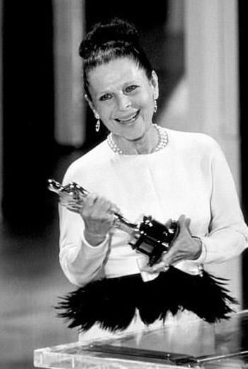 Ruth Gordon - Oscar  - Best Supporting Actress in Rosemary's Baby