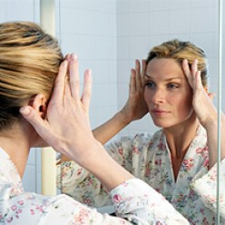 How to Prevent Wrinkles: 14 Tips
