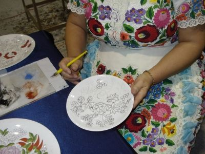 Plate in Kalocsa style   work in progress