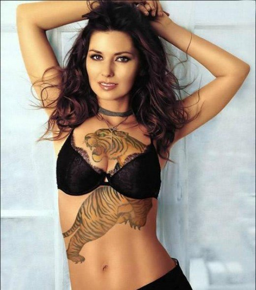 Cute Tattoo Art With Tattoos Pictures Typically Cool Woman Tattoo Designs