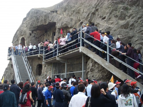 Crowds at the Longmen Grottoes.