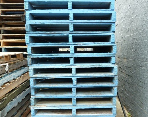 photo tall stack blue pallet