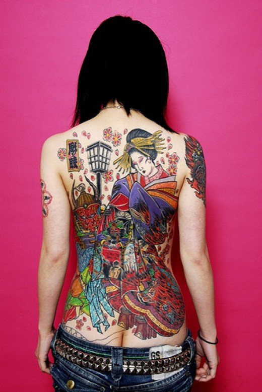 Another beautiful back piece for females, Source: http://farm2.static.flickr.com/1433/959508932_122d09efb9.jpg?v=0