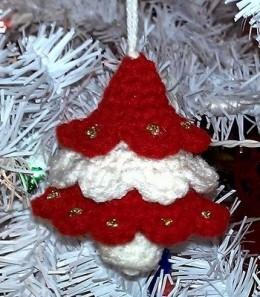 Peppermint Christmas Tree FREE crochet pattern