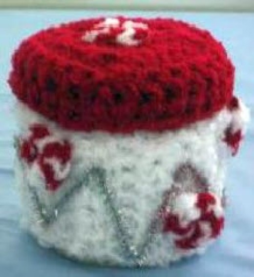 Peppermint Candy Treat Box Free Crochet Pattern