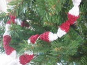 Red & White Crochet Bead Garland