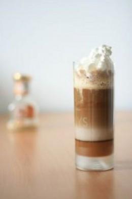 Кофе и шоколадные напитки.