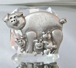 L Razza Pewter Pig Mama and Babies