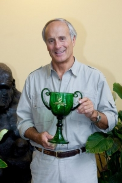 Jack Hanna with Trophy Cup