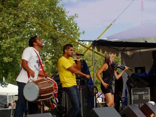 Delhi 2 Dublin perform at Bumbershoot Arts & Music Festival September 7, 2009 (original photo).