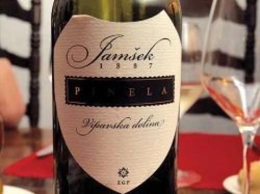 pinela moscato wine