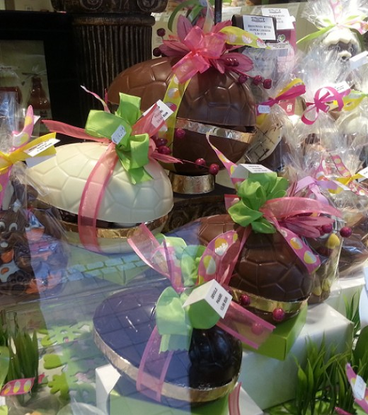 Hollow Chocolate Eggs, filles with little chocolate eggs, or pralines.