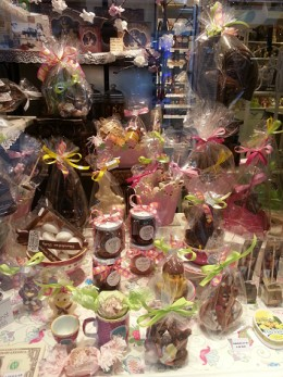 All shops are decorating their showcases with easter gifts and presents.