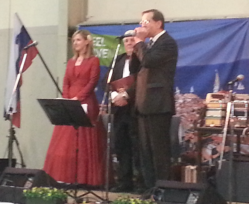 After singing the Slovenian Anthem, Lojze Peterle (European Representative) plays the European Anthem on the organ