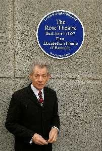 Sir. Ian McKellan un-veilingThe Rose Theatre Blue Plaque.