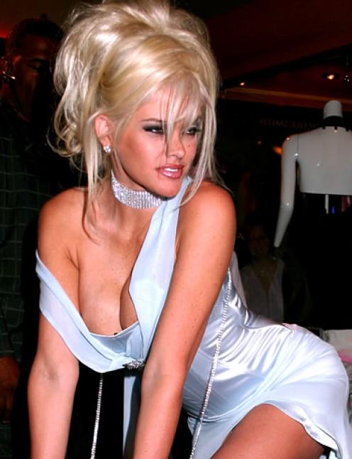 Anna Nicole... a slight case of infamy