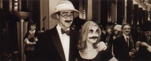 Edward Norton with Drew Barrymore in Groucho Marx costumes