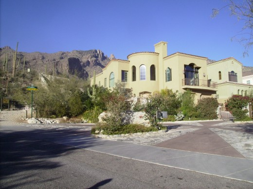 Beautiful home located next to start of Finger Rock Hiking Trail in Tucson, AZ