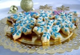 Presenting the Cool  Snowflake Christmas Cookies - Cool as a snowflake, and yet will melt in your mouth like a snowflake in your
