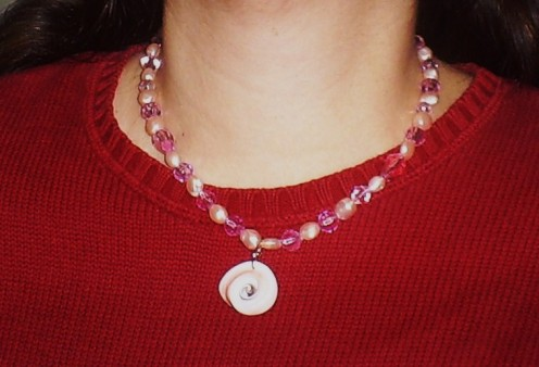 Here is the necklace I made with the small shell pendant.