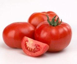 tomatoes are good for the skin