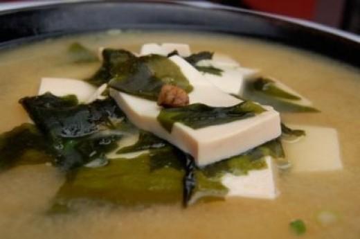 basic vegetarian tofu miso soup