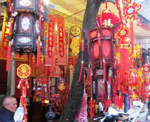 TET decorations