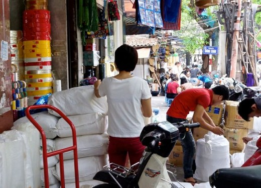 Street Commerce in Hanoi