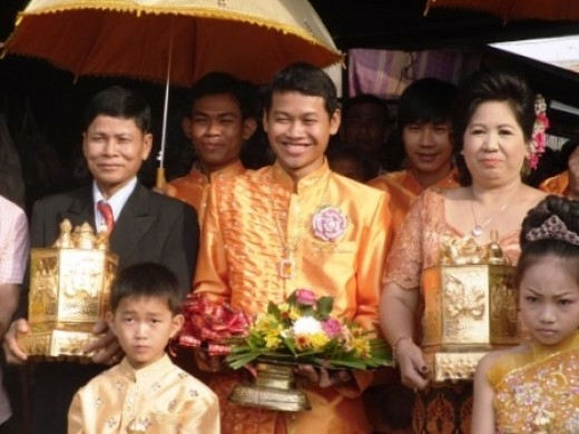 The groom's family bringing betel nut for the bride's family