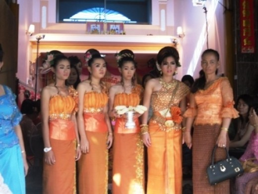 The Khmer bride with the older Lady and her three servers