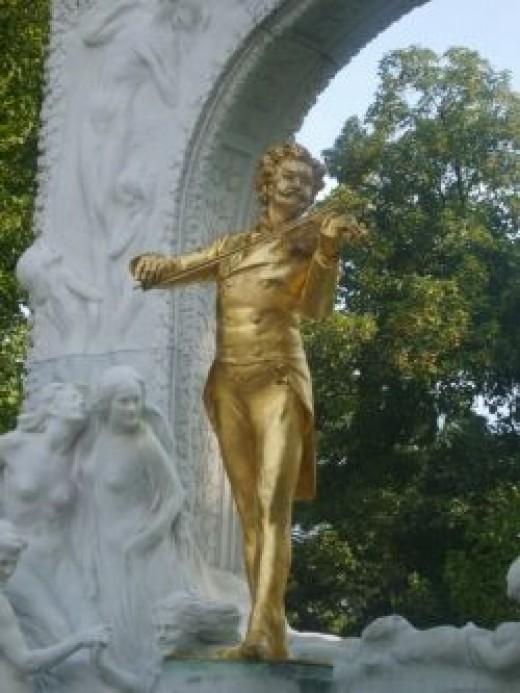 Johann Strauss statue - Vienna