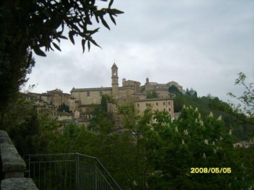 Itaky - Mediaeval hill town
