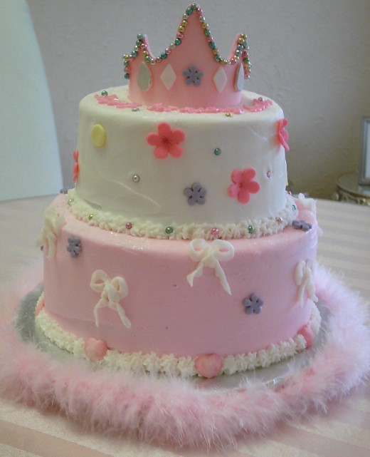 Accent a cake with a pink feather boa
