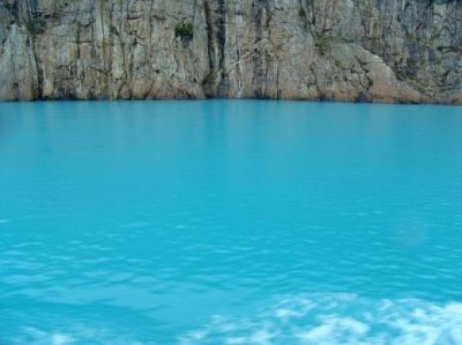 Color of the Lake Bakkal