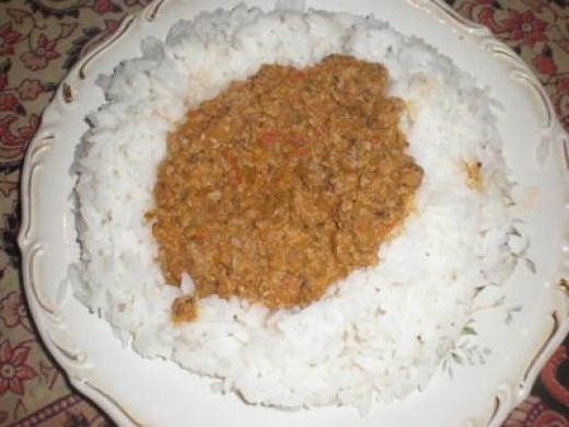 White rice with Bologna sauce