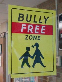 By Eddie~S (Bully Free ZoneUploaded by Doktory) [CC BY-2.0], via Wikimedia Commons