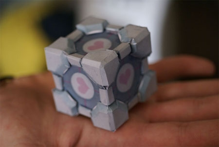 Portal 2 - Weighted Companion Cube