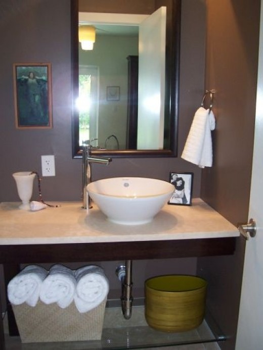 Beautifully Staged Bathroom (Just Lose that Photo)