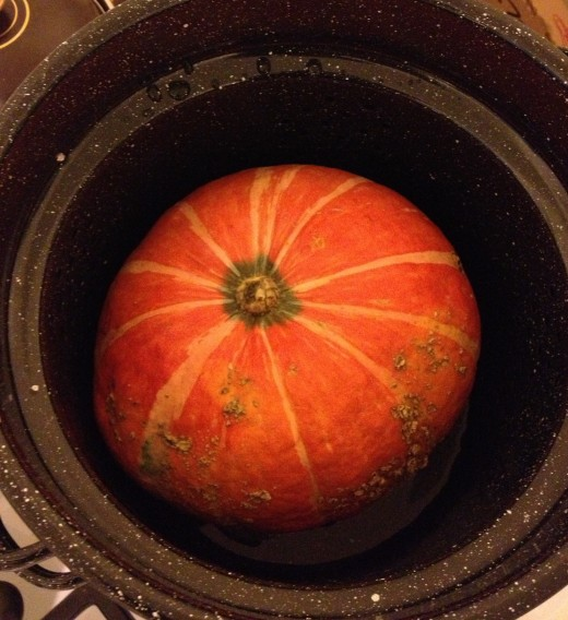 Steaming a small kabocha squash, weighing about 2-1/2 pounds