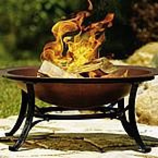 Outdoor Fire Pit (Photo courtesy by Southern Hearth and Patio from Flickr)