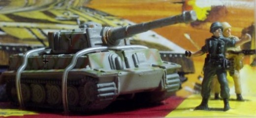 Tiger tank and soldiers. From 96' Micro Machines #19 War Classics set.