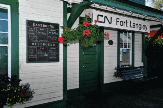 I love the way the train station at Fort Langley looks, is one of my favorite places to visit