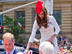 How to Dress Like the Classic Kate Middleton?