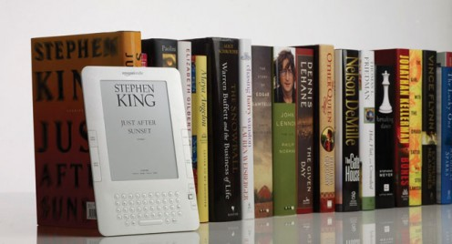 Stephen King on the Amazon Kindle 2 (Credit: wirededucator.com)