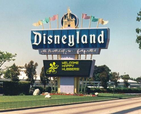 Props to the  Disneyland Sign Generator